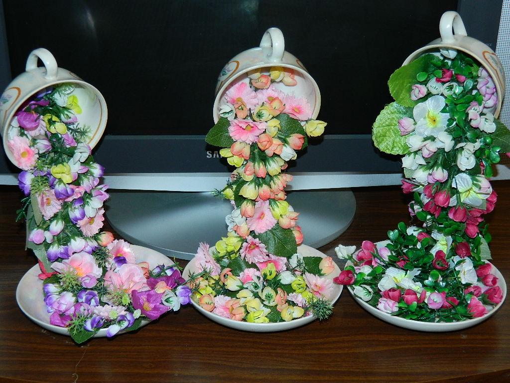 Кружка с блюдцем из цветов своими руками 75