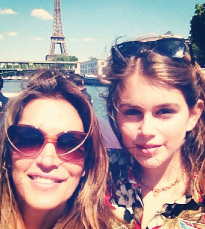 Синди Кроуфорд и ее красавица-дочь в Париже звезды, дети, фото