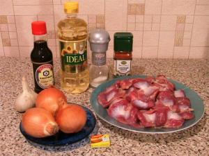 Куриные желудки, жаренные с луком и соевым соусом. Ингредиенты