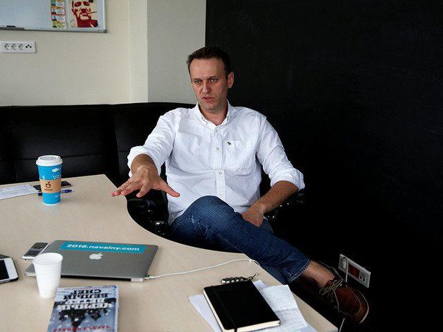 Навальный выиграл суд с Михасем