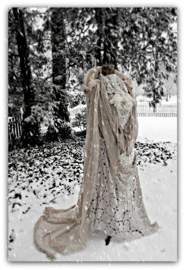 http://1.bp.blogspot.com/_xRO2YHYay6Y/TUA0qZ4lbII/AAAAAAAACGw/nHEQs1DGds8/s1600/snow_queen.jpg