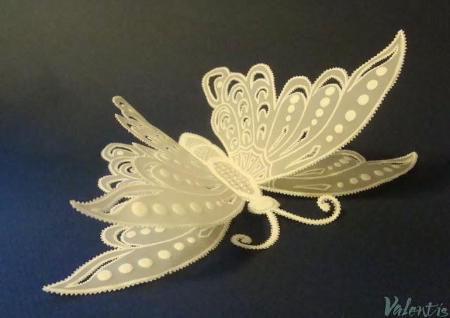 Бабочки в технике парчмент крафт.