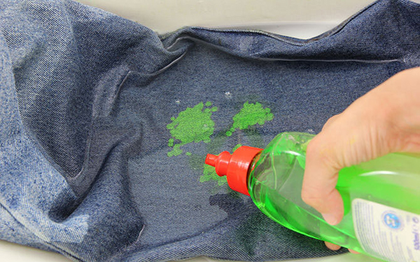 Вывести пятна краски в домашних условиях