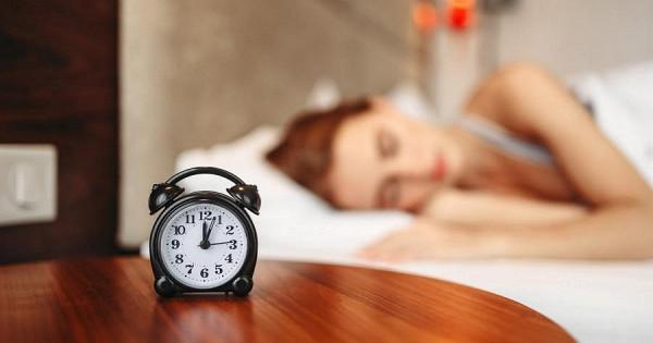 Пять простых способов, которые помогут легче просыпаться поутрам