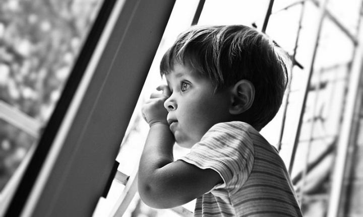 Усыновительнице предложили выбрать ребенка… Ее ответ поразил заведующую детдома