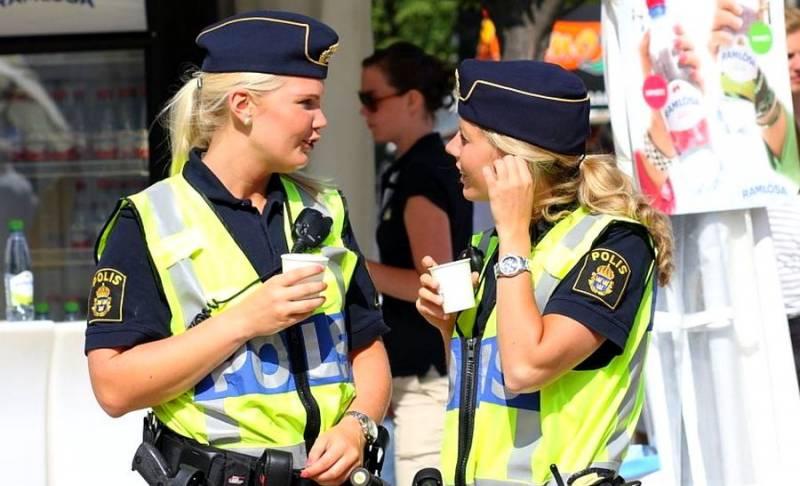 Шведам срочно нужно немного русской полиции