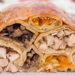 Курица, фаршированная блинами (подборка рецептов)