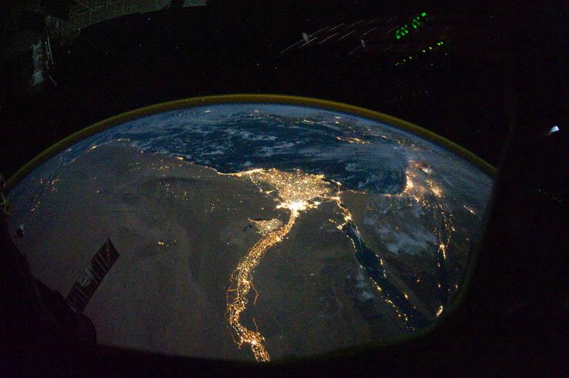 818 Ночь на планете: 30 фото из космоса
