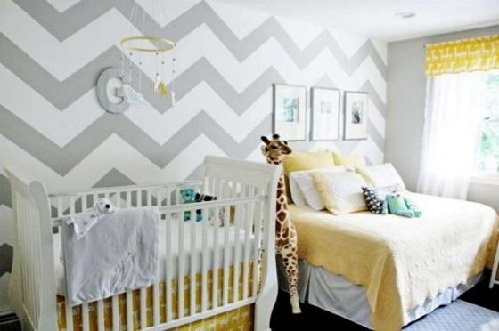 Уголок маленького ребёнка в комнате родителей