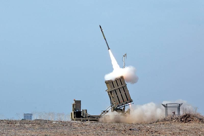 """Израильский """"Железный купол"""" пропустил две трети палестинских ракет?"""