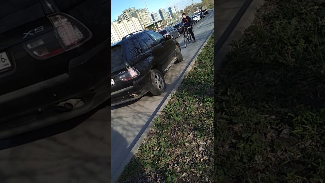 В Екатеринбурге парни на BMW…