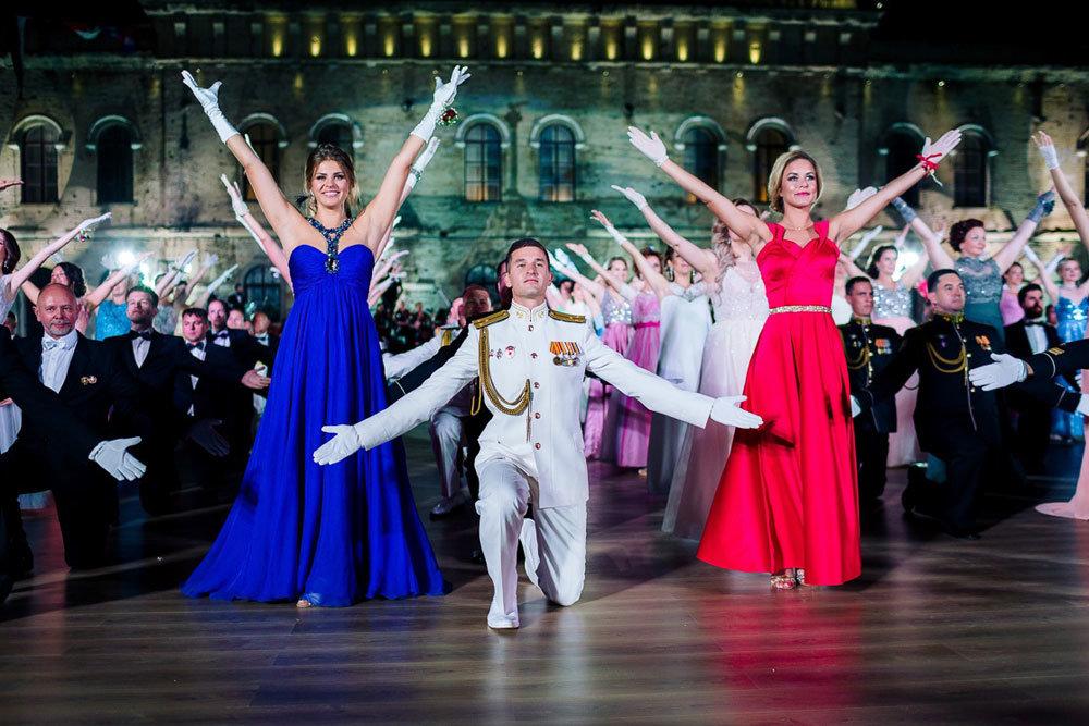 В Севастополе V Большой офицерский бал собрал гостей из 11 стран мира
