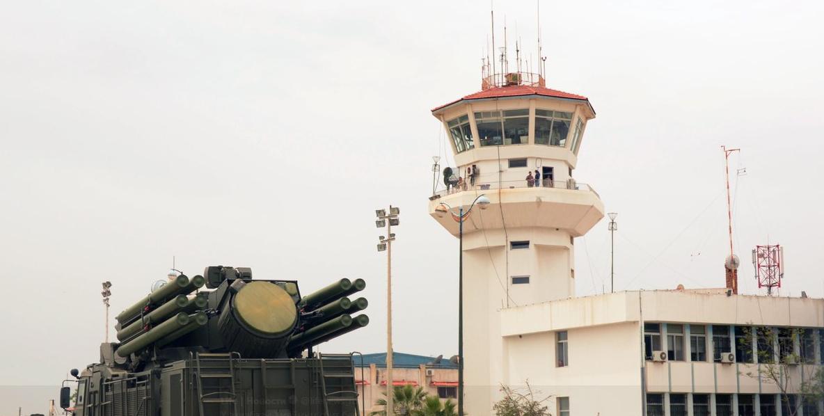 На авиабазе Хмеймим система ПВО уничтожила два беспилотника боевиков