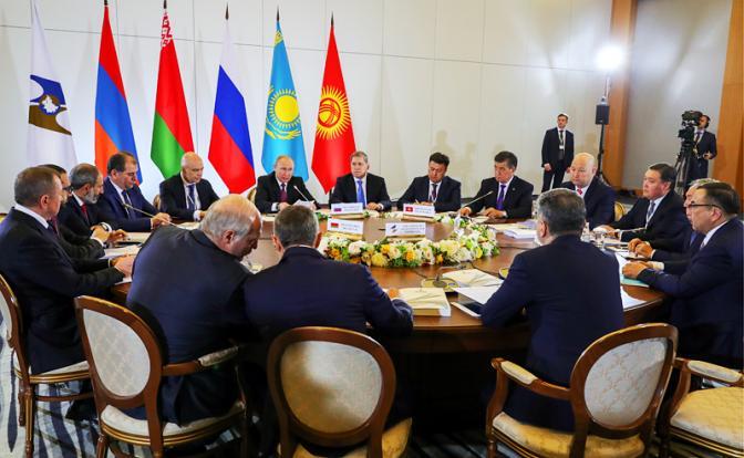 Союзники-2018: С Россией хорошо, но Америка с Европой «греют» больше