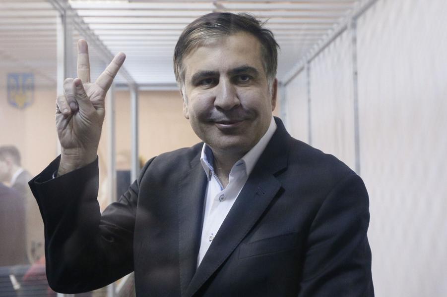 Почему Саакашвили везде проиграл? Даже в заочном споре с Медведевым?
