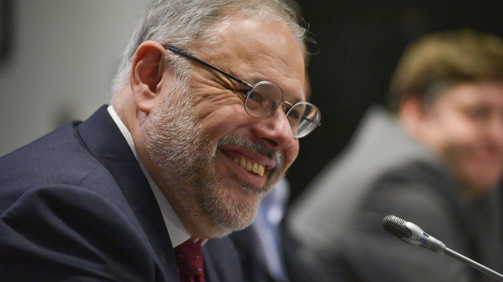 Хазин рассказал, почему дедолларизации по сценарию ВТБ не будет