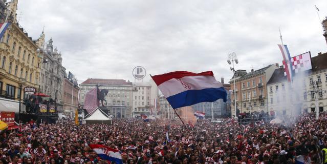 Футбольное безумие охватило Загреб: как хорваты поддерживают сборную