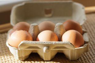 Почему яйца нельзя хранить на дверце холодильника?