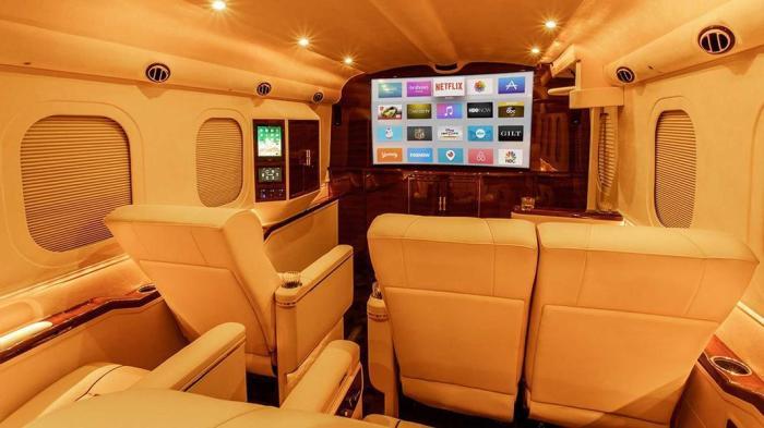 Роскошный мобильный офис на базе пикапа