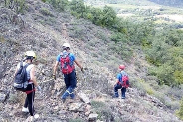 Крымские спасатели сняли с г…