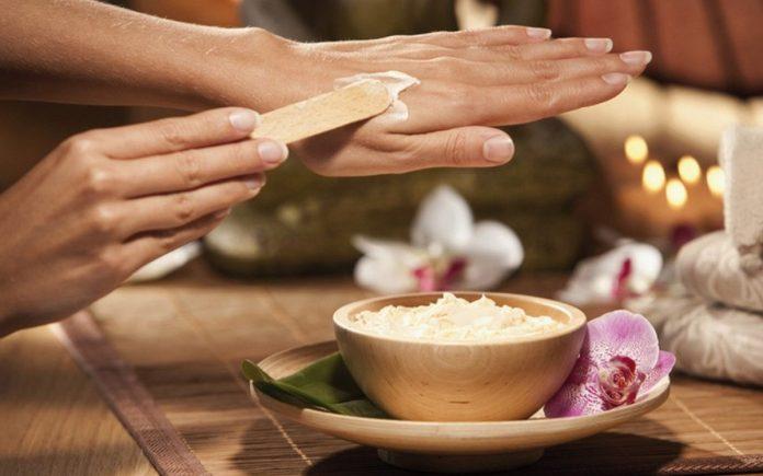 Маска «Великолепные руки» убирает все пигментные пятна, морщины, и трещины на руках