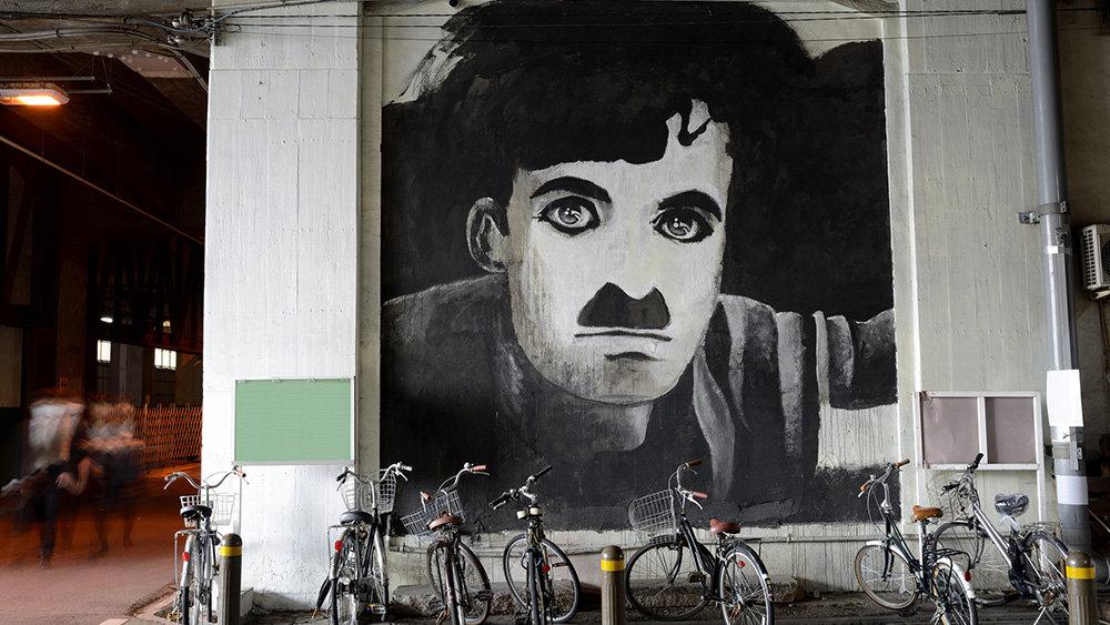 Создателем популярного интернет-мема оказался Чарли Чаплин