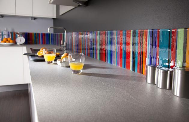 Кухня в цветах: серый, белый, коричневый, бежевый. Кухня в стиле минимализм.