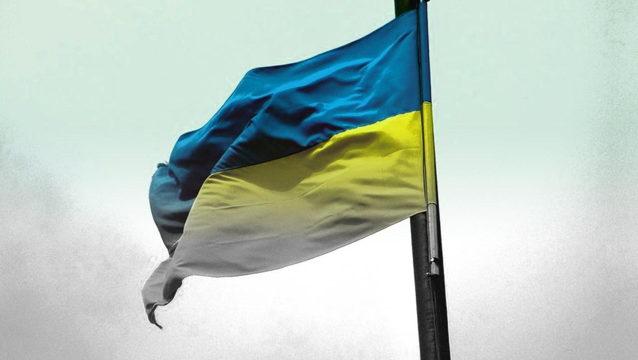 Одесситы отказались поднимать упавший флаг Украины, вывешенный ко Дню независимости