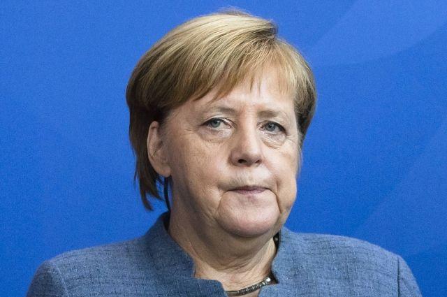 Глава города Хемниц призвала Меркель чаще общаться с гражданами