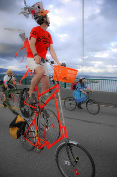 imaginative and inventive bicycle modifications 640 13 Черт побери, зачем они это сделали? (39 фото)