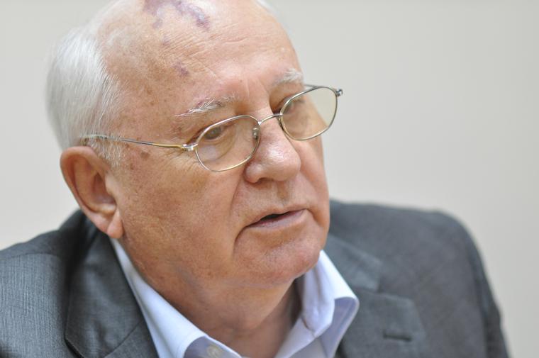 Горбачеву предложили выдвинуть Зеленского на Нобелевскую премию.