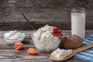 Антибиотики и растительные жиры. Что лишнего можно найти в твороге?