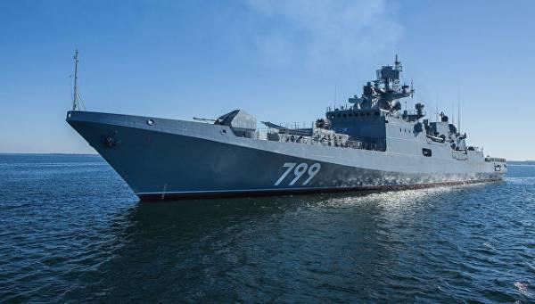 """Фрегат  """"Адмирал Макаров"""" на пути в порт приписки"""