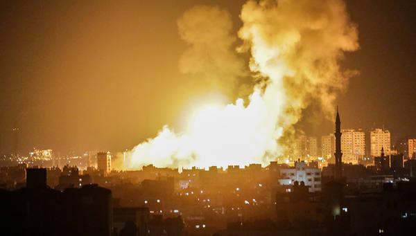 СМИ: израильские ВВС нанесли серию ударов по югу сектора Газа