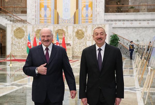 Лукашенко рассказал оботношении сАзербайджаном «10−15 поколений назад»