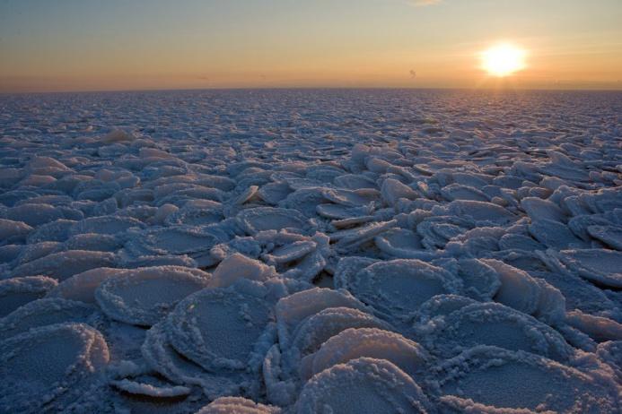 Чистые берега Байкала