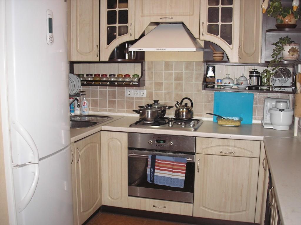 Фото дизайн маленькой кухни 2х2