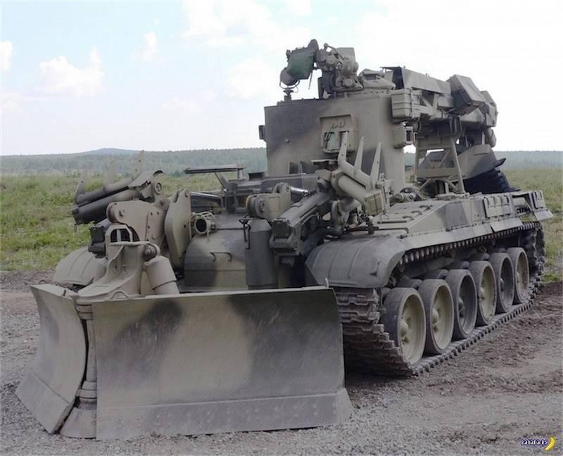 """Минобороны получило последнюю партию """"инженерных танков"""" ИРМ-3М"""