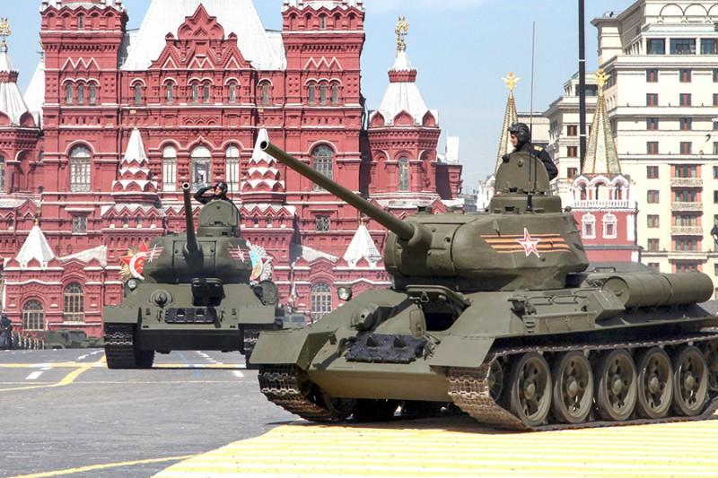 Т-34 прибыли в Москву