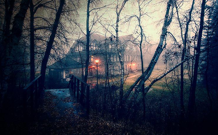 Проклятый старый дом: 5 самых зловещих особняков России