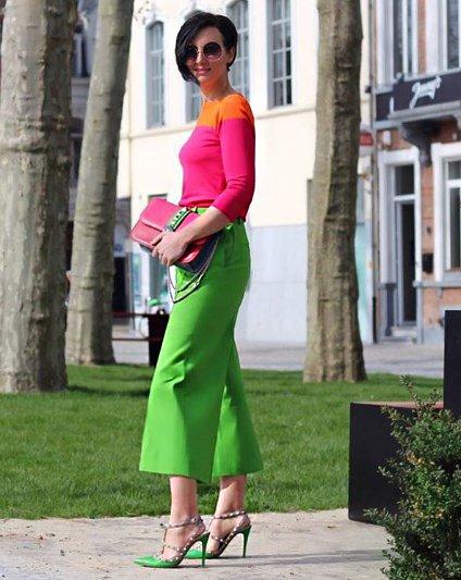 Потрясающая подборка стильных образов в оттенках зеленого цвета.
