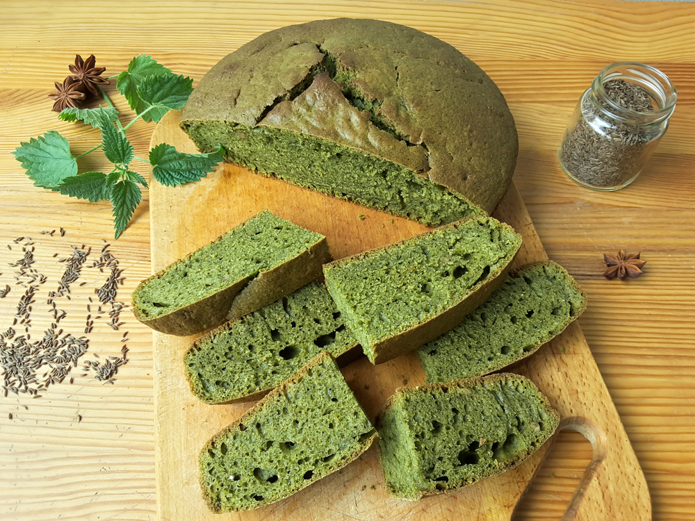 Домашний хлеб с крапивой