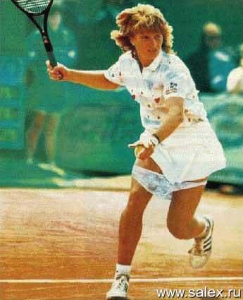 у теннисистки лопнула резинка на трусах