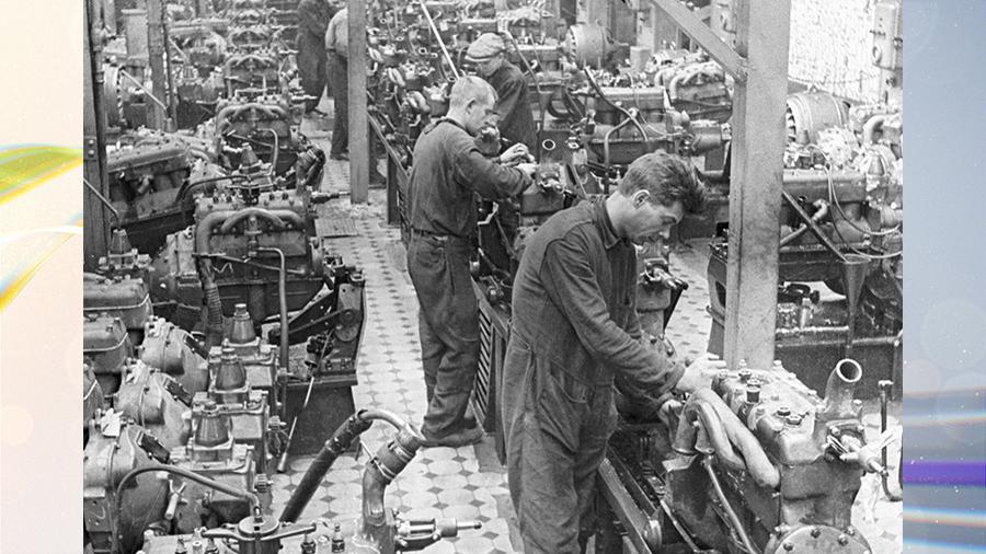 Неделя в истории: от советской трудовой дисциплины до солнцезащитных очков эскимосов