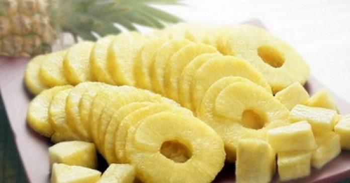 Каким способом  ананас влияет на уровень сахара в крови