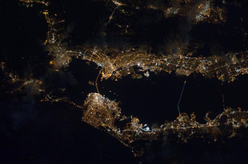 1019 Ночь на планете: 30 фото из космоса