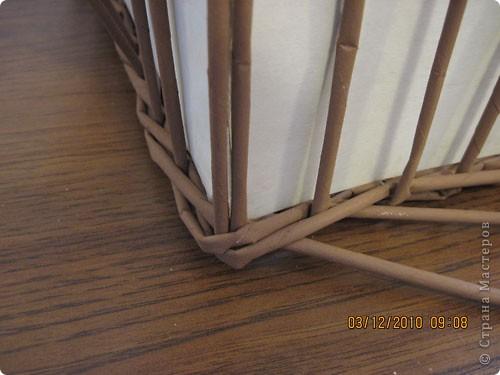 Мастер-класс,  Плетение, : Плетение квадратной (прямоугольной ) коробки Бумага газетная . Фото 24