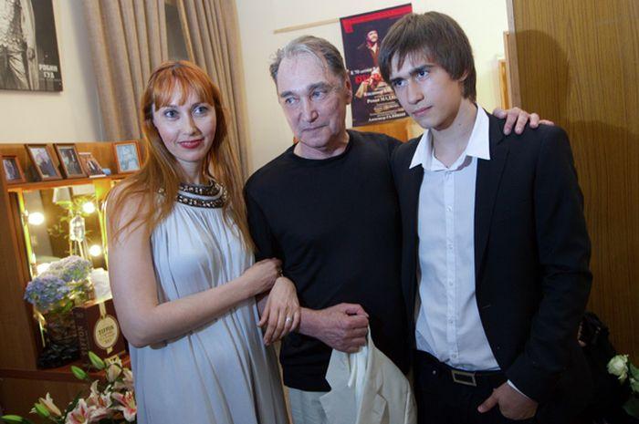 Владимир Коренев с дочерью Ириной и внуком Егором. / Фото: www.aif.ru