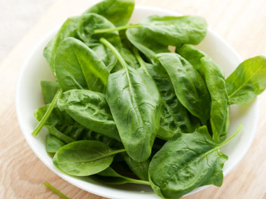 11-calcium-rich-fat-burning-foods-10-spinach-sl