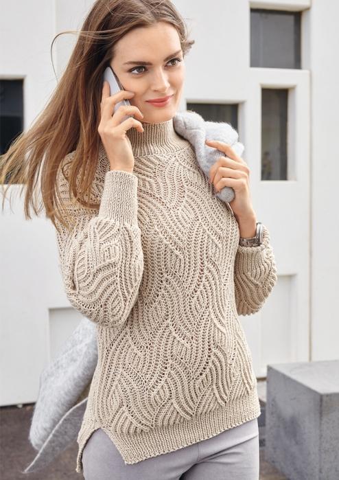 Вязаный свитер с рельефным волнообразным узором